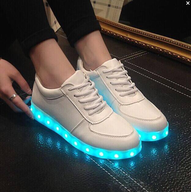 pantofi sport albi cu leduri